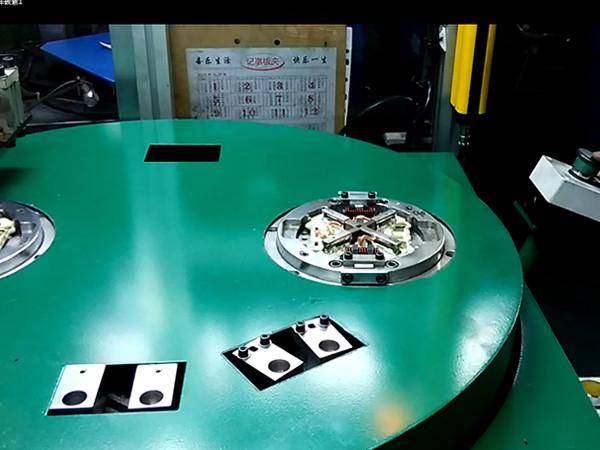 碳刷焊接专机