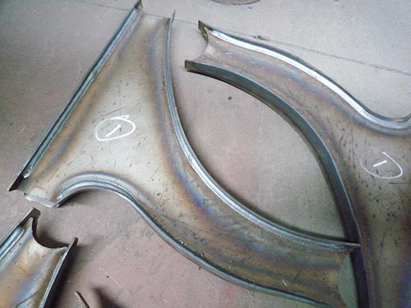 汽车三角臂弧焊专机成品案例