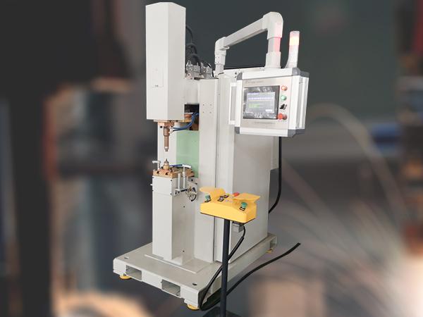 点焊机焊接过程中是如何维持热平衡的呢?