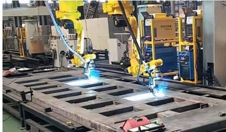 跟踪焊接机器人